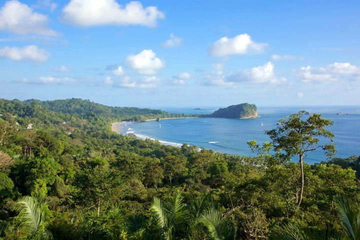 A luxury vacation is a wonderful way to spend time with the family while getting away from daily troubles. Find great reasons to rent a Costa Rican villa here.