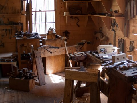 Are you a hoarder of scrap wood that you find no use for? Read this article to find out what scrap wood to keep.